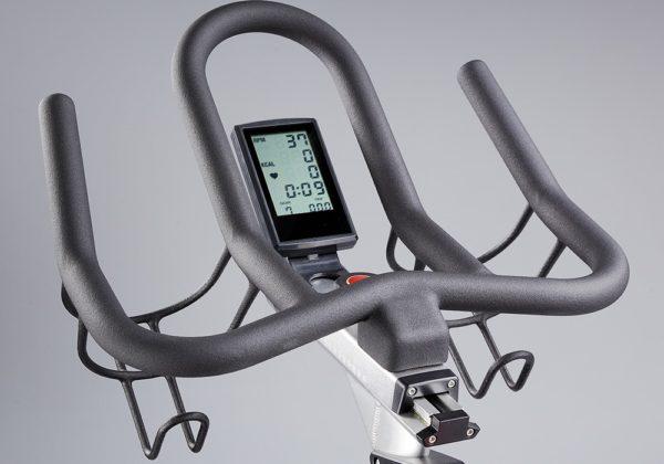 DK Fitness S22.1 spinningpyora näyttö